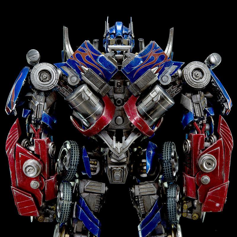 Figurines des Films Transformers ― Par Threezero (3A ThreeA), Comicave Studios, etc 3A-Dark-of-the-Moon-Optimus-Prime-007