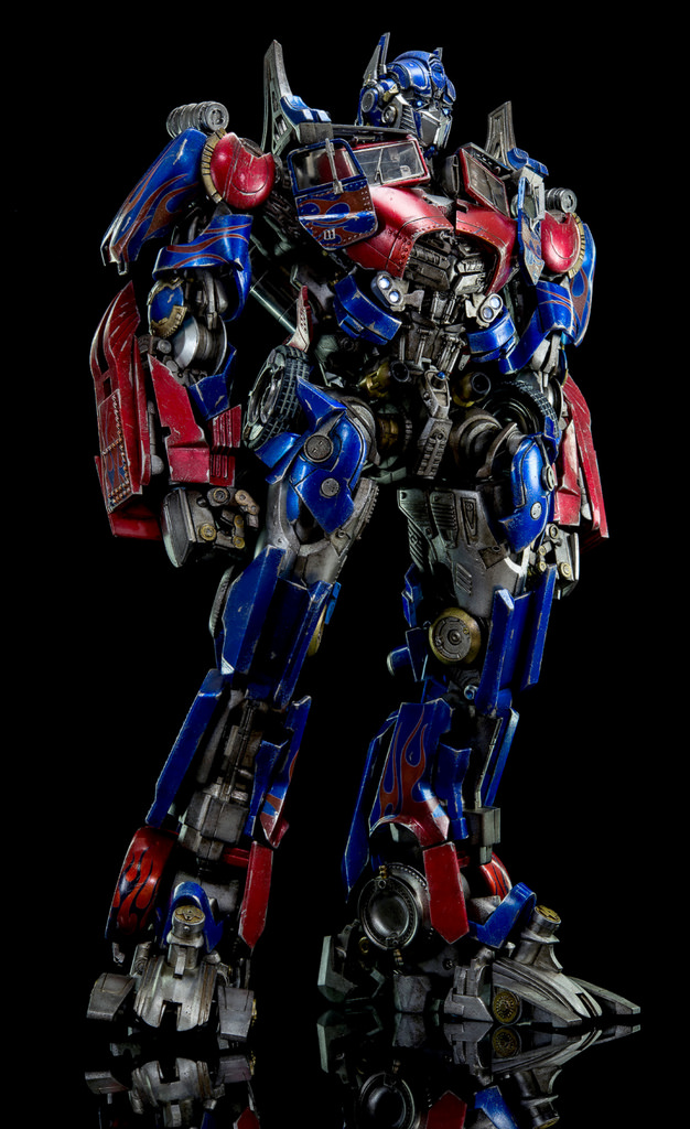 Figurines des Films Transformers ― Par Threezero (3A ThreeA), Comicave Studios, etc 3A-Dark-of-the-Moon-Optimus-Prime-009