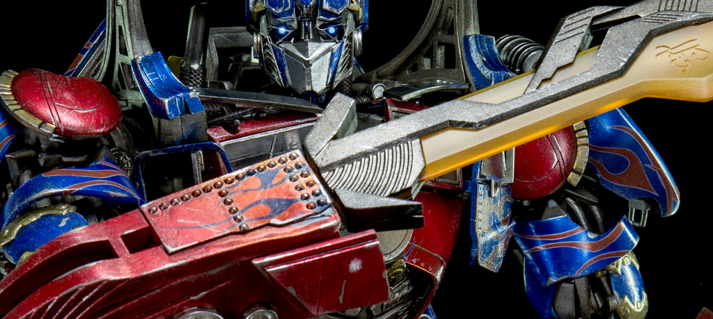 Figurines des Films Transformers ― Par Threezero (3A ThreeA), Comicave Studios, etc 3A-Dark-of-the-Moon-Optimus-Prime-014