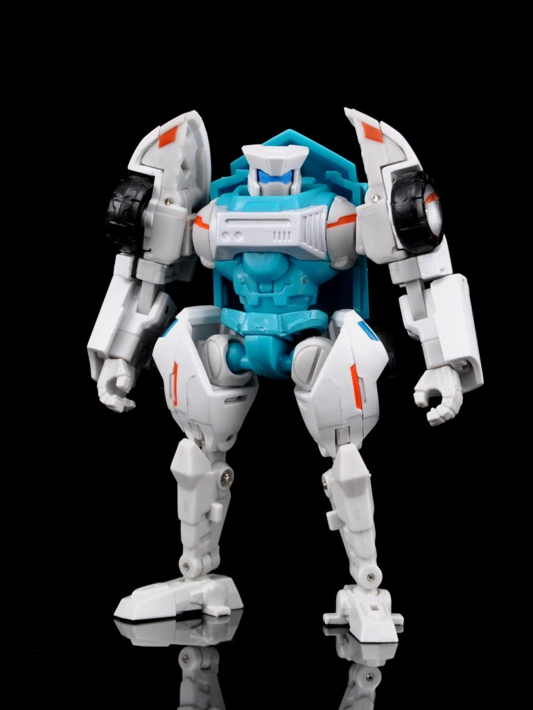 [MakeToys] Produit Tiers - Minibots, G2 Optimus, MM-01 Trashtalk & Cogwheel (aka Swerve/Embardo & Gears/Rollo), MM-02 Rear End (aka Tailgate/Hayon), MT-03 Hyper Novae (aka Nova Prime) d'IDW - Page 2 Manga-Mech-Rear-End-01