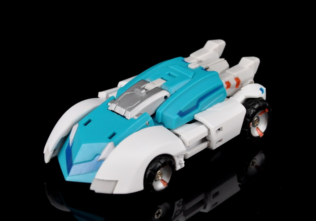 [MakeToys] Produit Tiers - Minibots, G2 Optimus, MM-01 Trashtalk & Cogwheel (aka Swerve/Embardo & Gears/Rollo), MM-02 Rear End (aka Tailgate/Hayon), MT-03 Hyper Novae (aka Nova Prime) d'IDW - Page 2 Manga-Mech-Rear-End-08