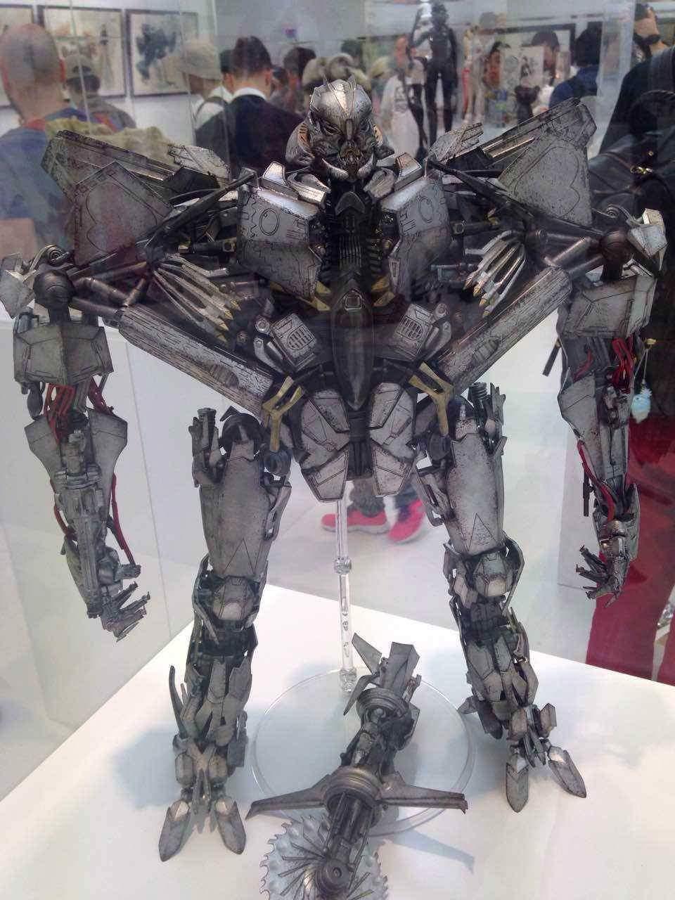 Figurines des Films Transformers ― Par Threezero (3A ThreeA), Comicave Studios, etc 3A-Starscream-02