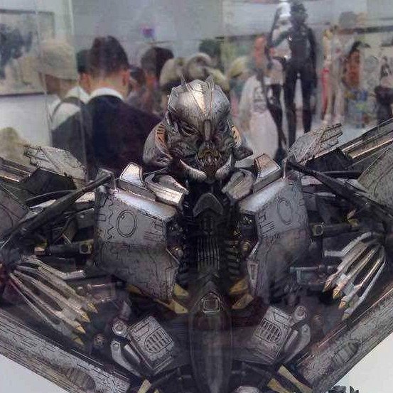 Figurines des Films Transformers ― Par Threezero (3A ThreeA), Comicave Studios, etc 3A-Starscream-fp