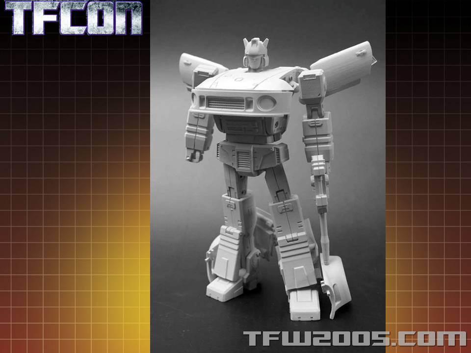 [Transform Dream Wave/Transform and Rollout] Produit Tiers - Jouet TR-01 Agent Meister aka Jazz/Saxo TFCon-USA-2015-309