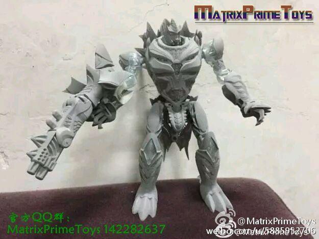 Jouets KO/Bootleg/Knockoff des Films - Page 2 Matrix-PrimeToys-Dino-02-Slag-Robot-A