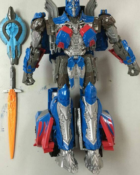 JOUETS - Transformers 5: The Last Knight Transformers-5-The-Last-Knight-Voyager-Class-Optimus-Prime-Single-Shot