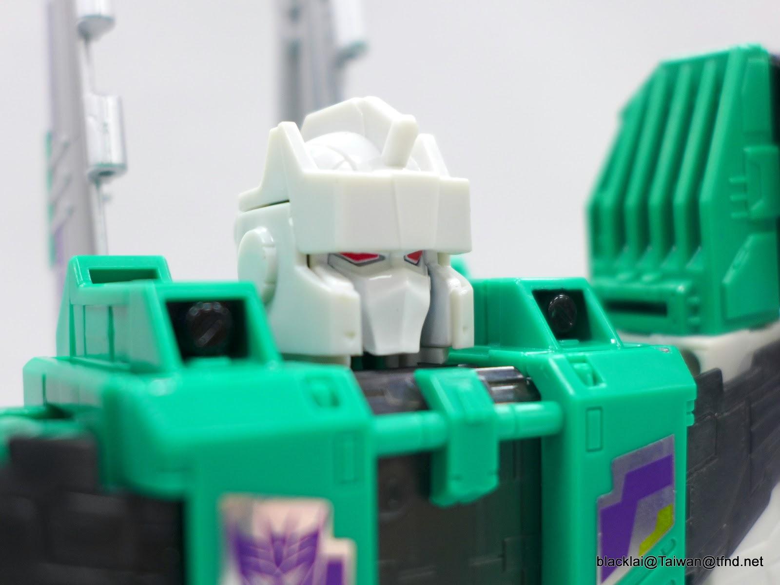 Jouets Transformers Generations: Nouveautés Hasbro - partie 2 - Page 40 P1500945