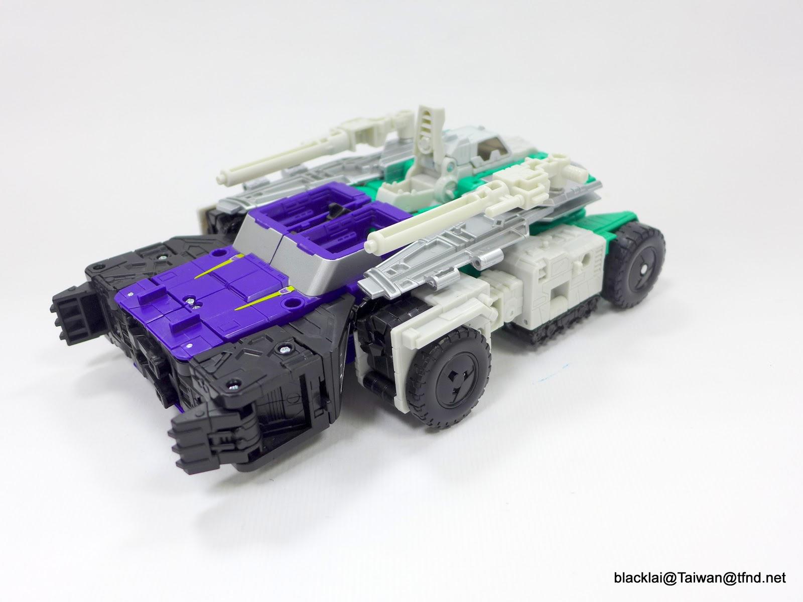 Jouets Transformers Generations: Nouveautés Hasbro - partie 2 - Page 40 P1510004