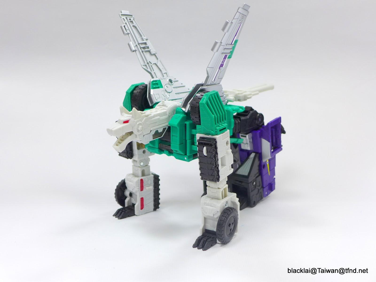 Jouets Transformers Generations: Nouveautés Hasbro - partie 2 - Page 40 P1510009