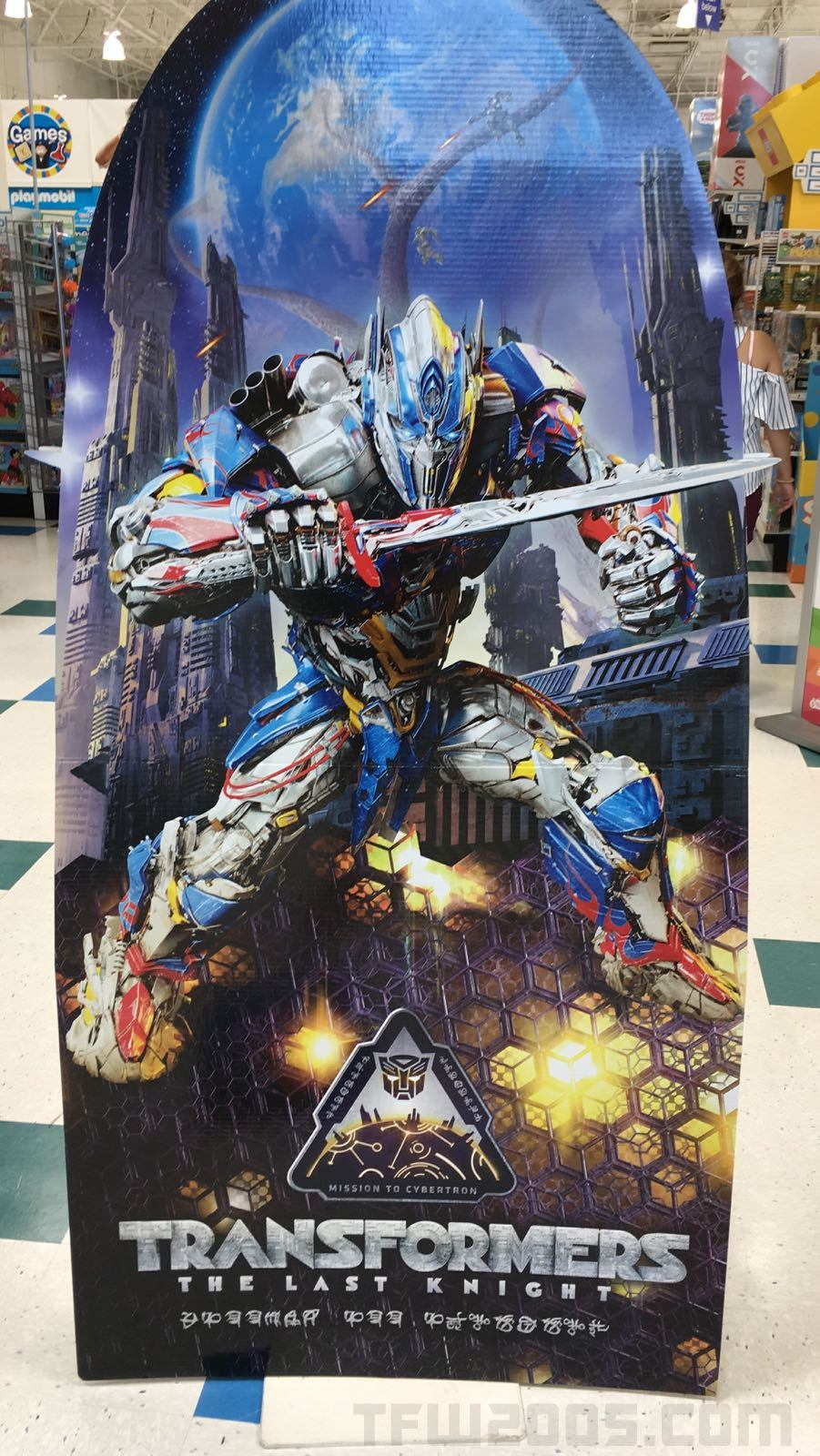 Transformers 5: Le Dernier Chevalier (2017) - Page 5 Transformers-The-Last-Knight-Mission-To-Cybertron-TRU-Exclusive-Subline-Watermarked