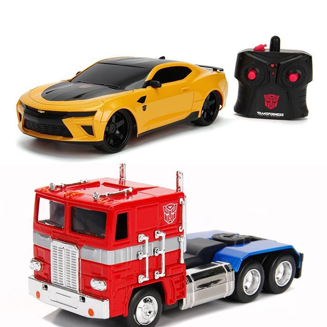 JOUETS - Transformers 5: The Last Knight - Page 14 Jada-Toys-RC-TLK-Bumblebe-And-G1-Optimus-Prime