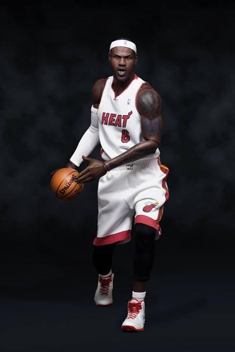 [Enterbay] NBA Real Masterpiece - LeBron James - Página 3 Enterbay-Lebron-James