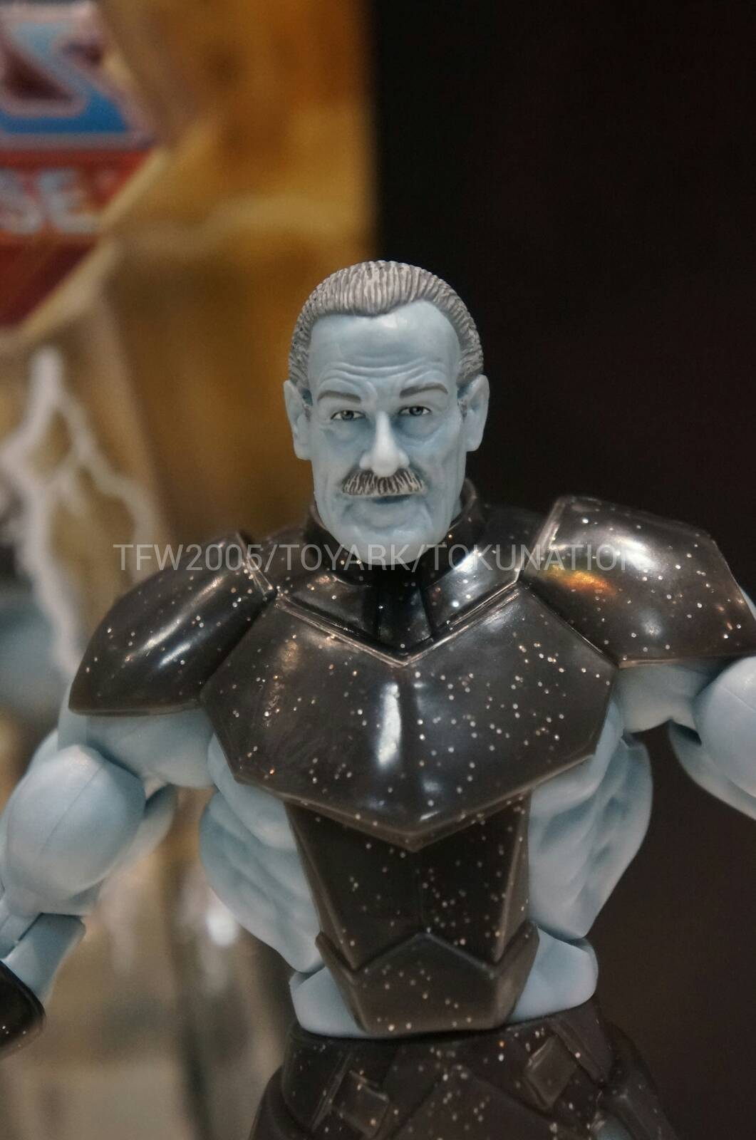 SDCC reveals (line-up to end of the year and start of 2014) SDCC-2013-Mattel-MOTU-Standor-002