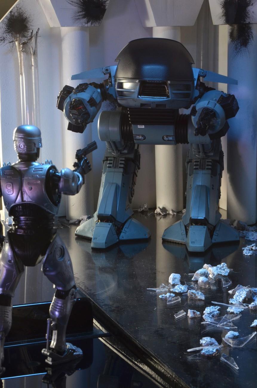 [NECA] RoboCop - ED-209 NECA-Robocop-1987-ED-209-002