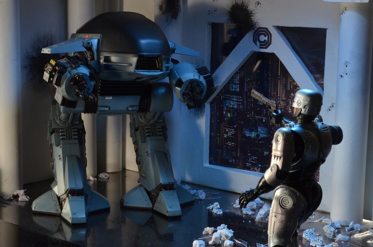 [NECA] RoboCop - ED-209 NECA-Robocop-1987-ED-209-003