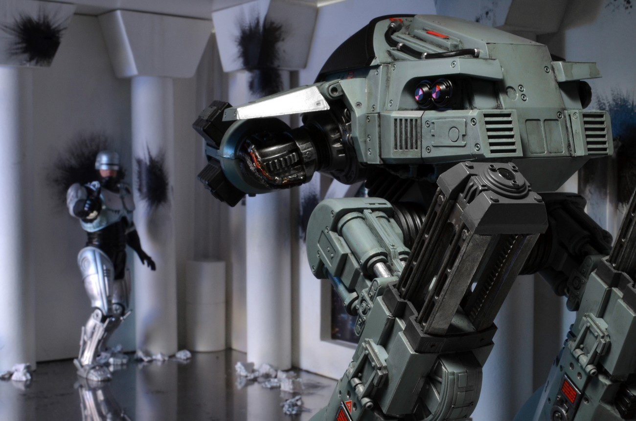 [NECA] RoboCop - ED-209 NECA-Robocop-1987-ED-209-004