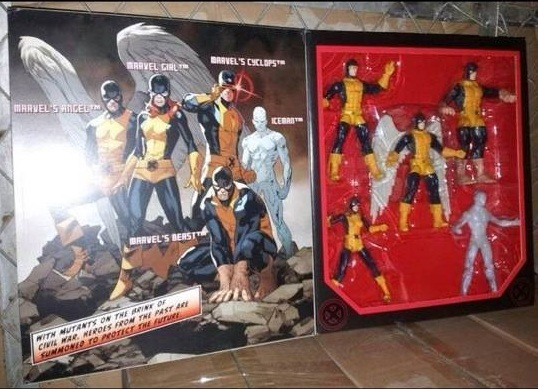 [Hasbro] Toys R Us Exclusive: Marvel Legends - X-Men Boxset Sdcc-2014