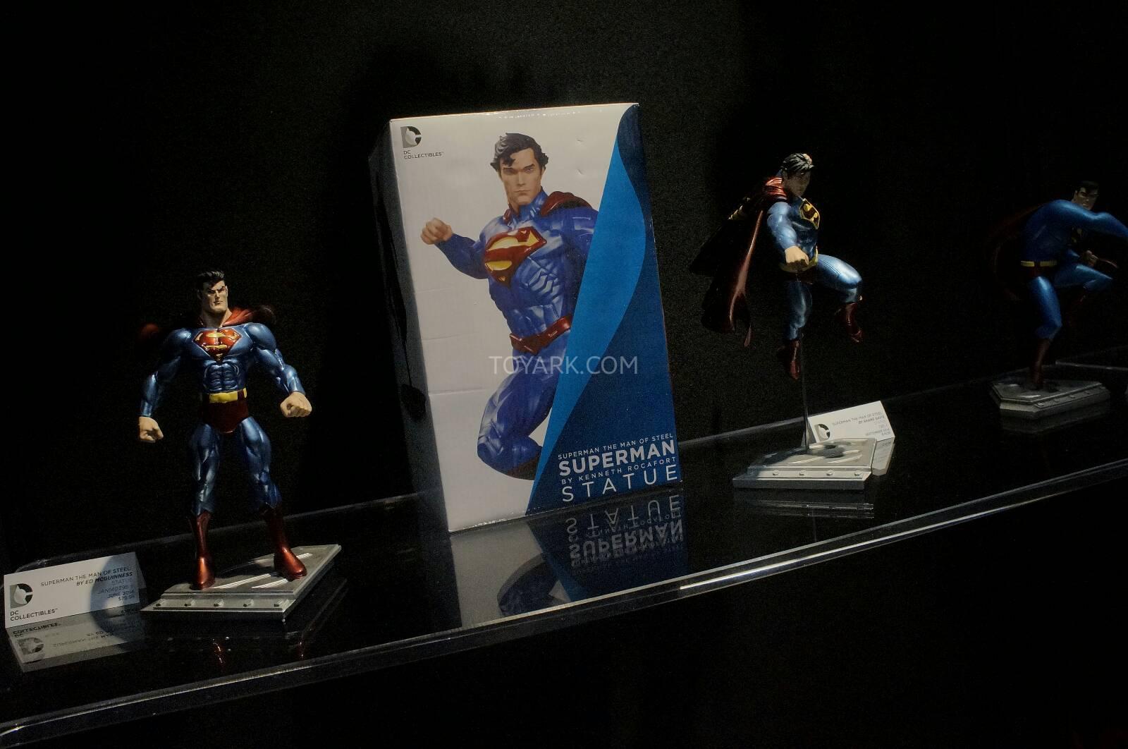 [Toy Fair 2014] DC Collectibles Toy-Fair-2014-DC-Collectibles-007