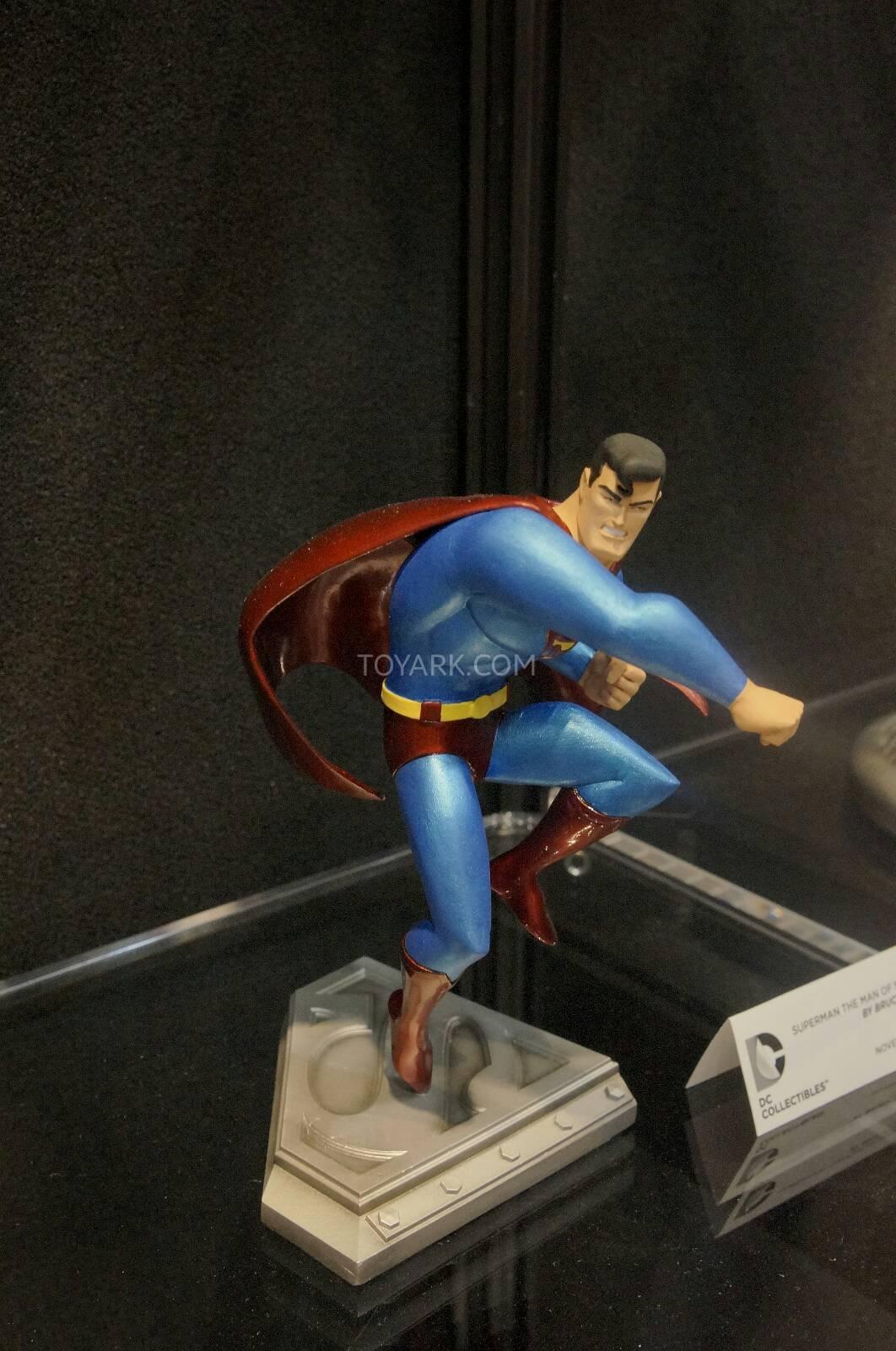 [Toy Fair 2014] DC Collectibles Toy-Fair-2014-DC-Collectibles-010
