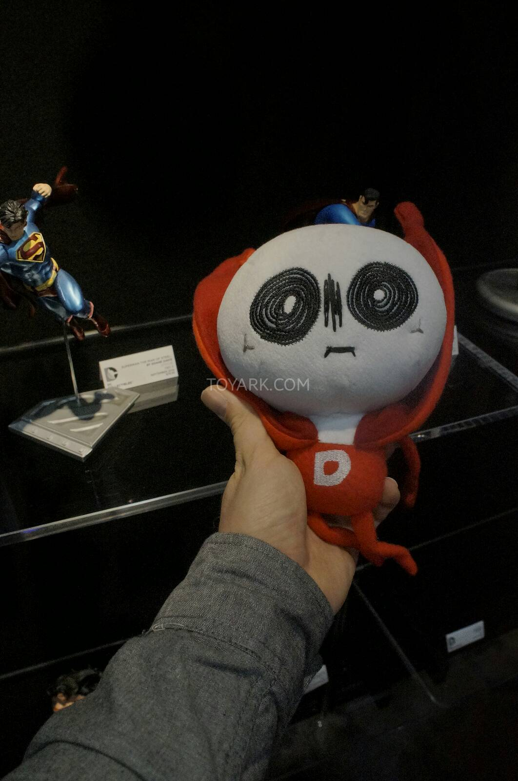 [Toy Fair 2014] DC Collectibles Toy-Fair-2014-DC-Collectibles-015