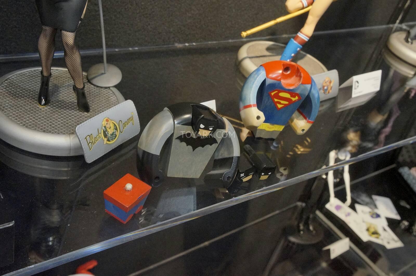 [Toy Fair 2014] DC Collectibles Toy-Fair-2014-DC-Collectibles-017