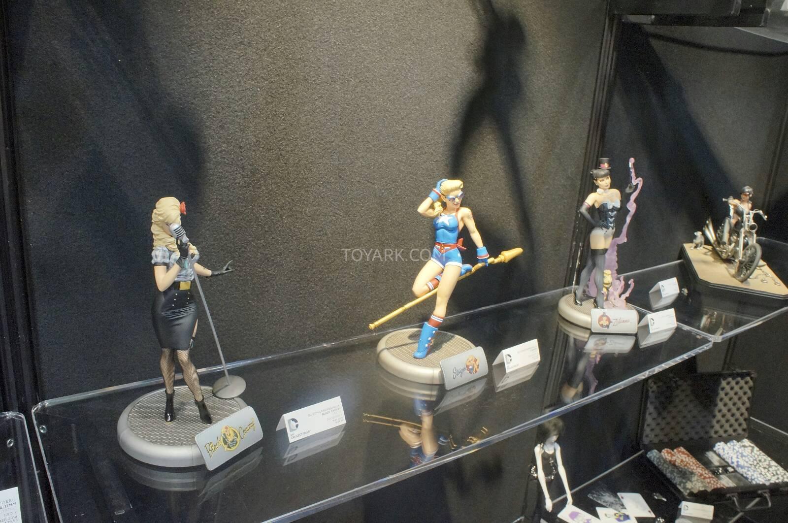 [Toy Fair 2014] DC Collectibles Toy-Fair-2014-DC-Collectibles-021