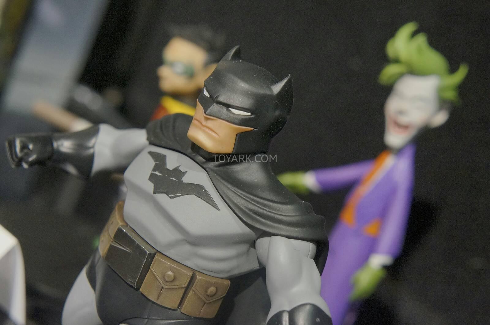 [Toy Fair 2014] DC Collectibles Toy-Fair-2014-DC-Collectibles-067