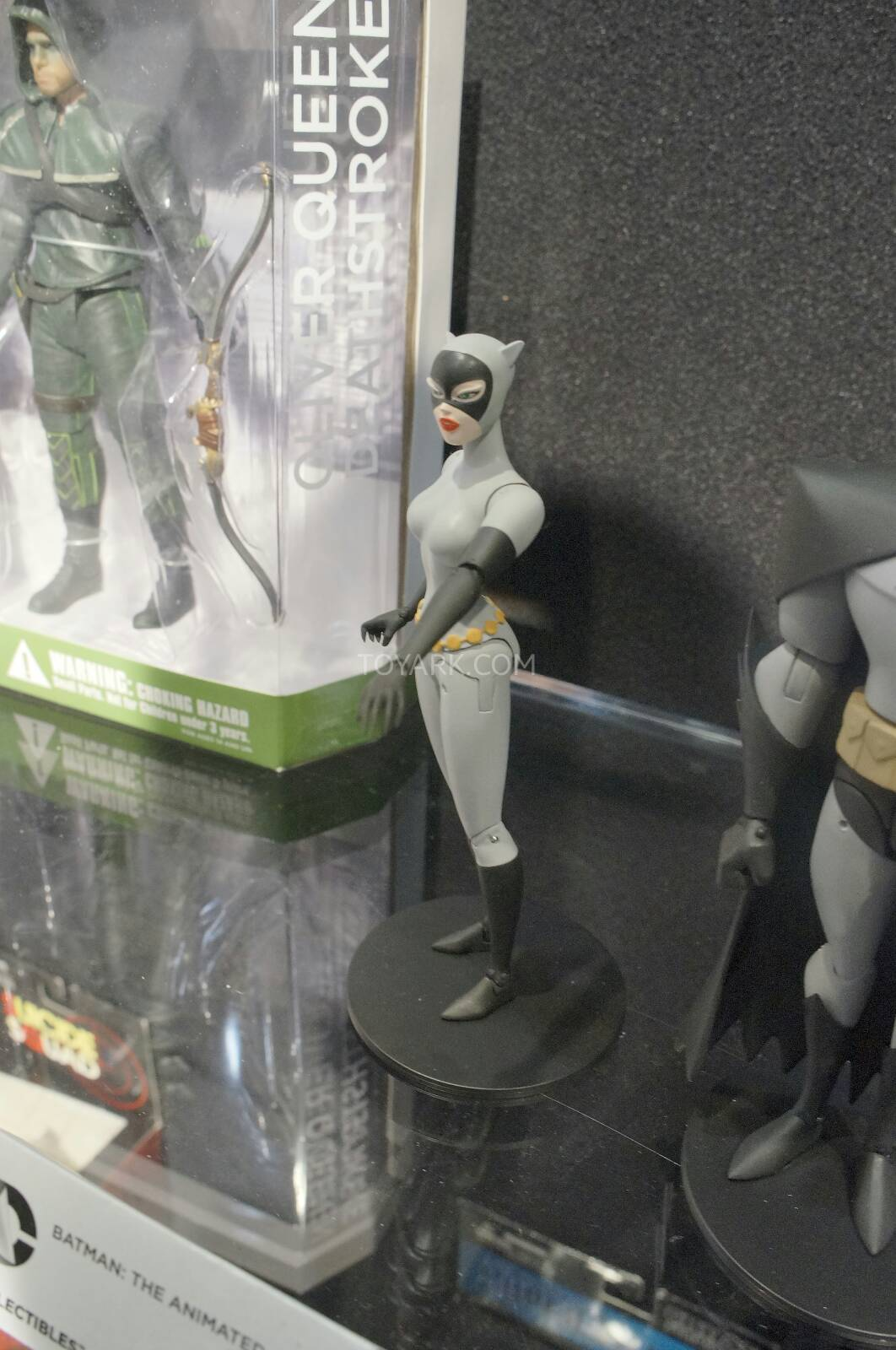 [Toy Fair 2014] DC Collectibles Toy-Fair-2014-DC-Collectibles-079
