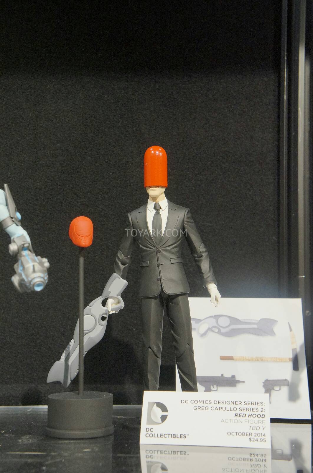 [Toy Fair 2014] DC Collectibles Toy-Fair-2014-DC-Collectibles-090