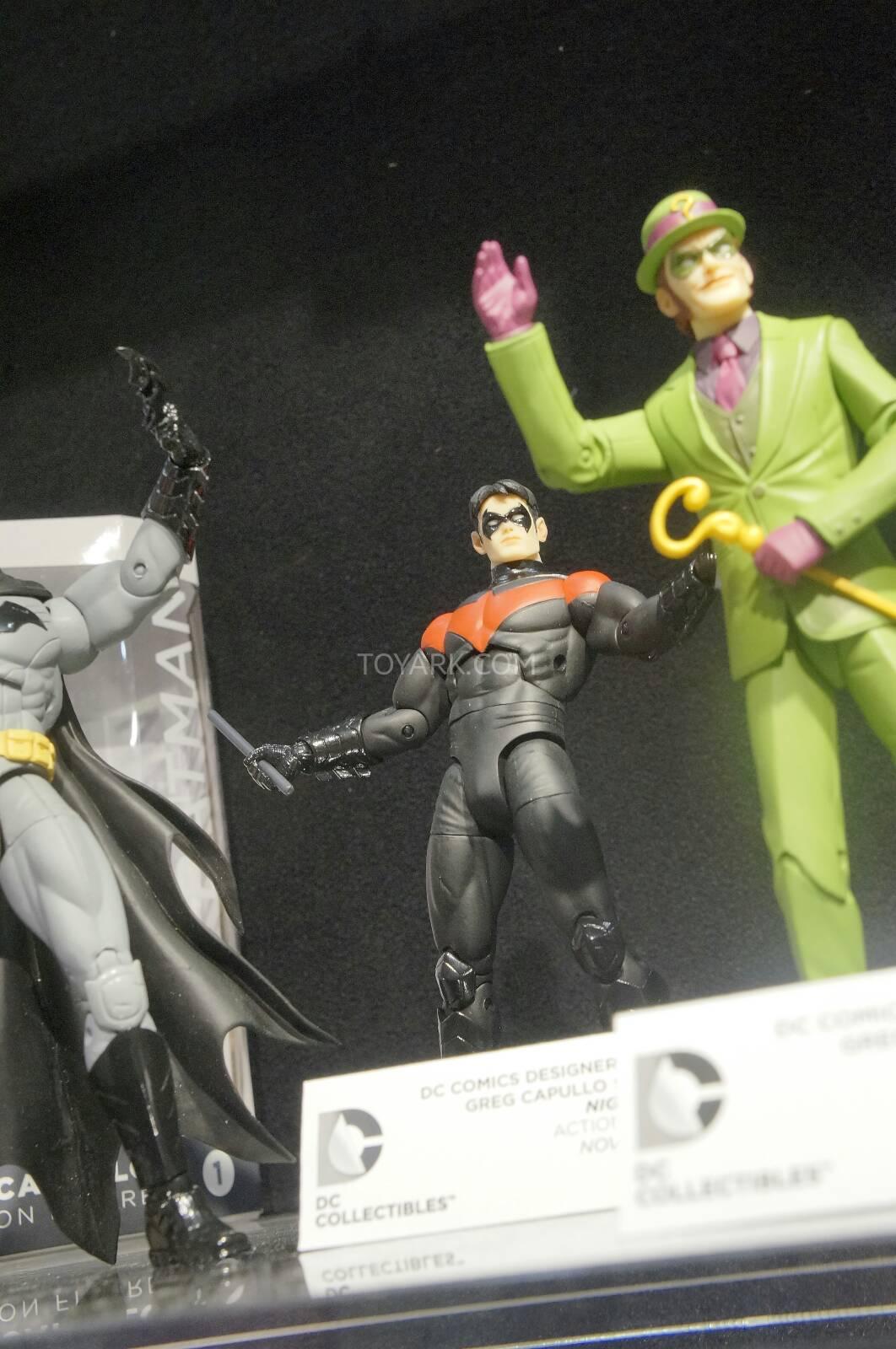 [Toy Fair 2014] DC Collectibles Toy-Fair-2014-DC-Collectibles-096
