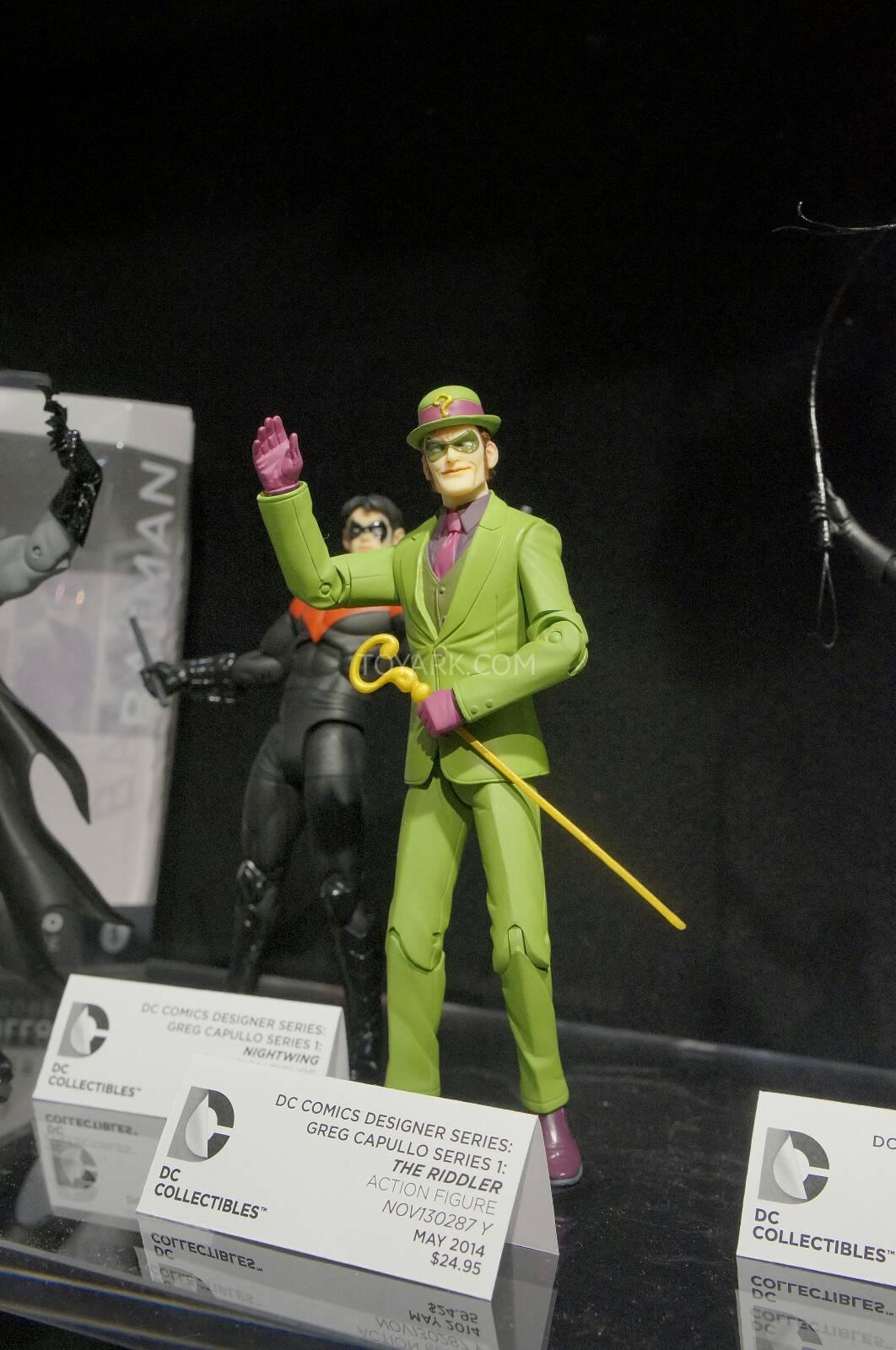 [Toy Fair 2014] DC Collectibles Toy-Fair-2014-DC-Collectibles-097