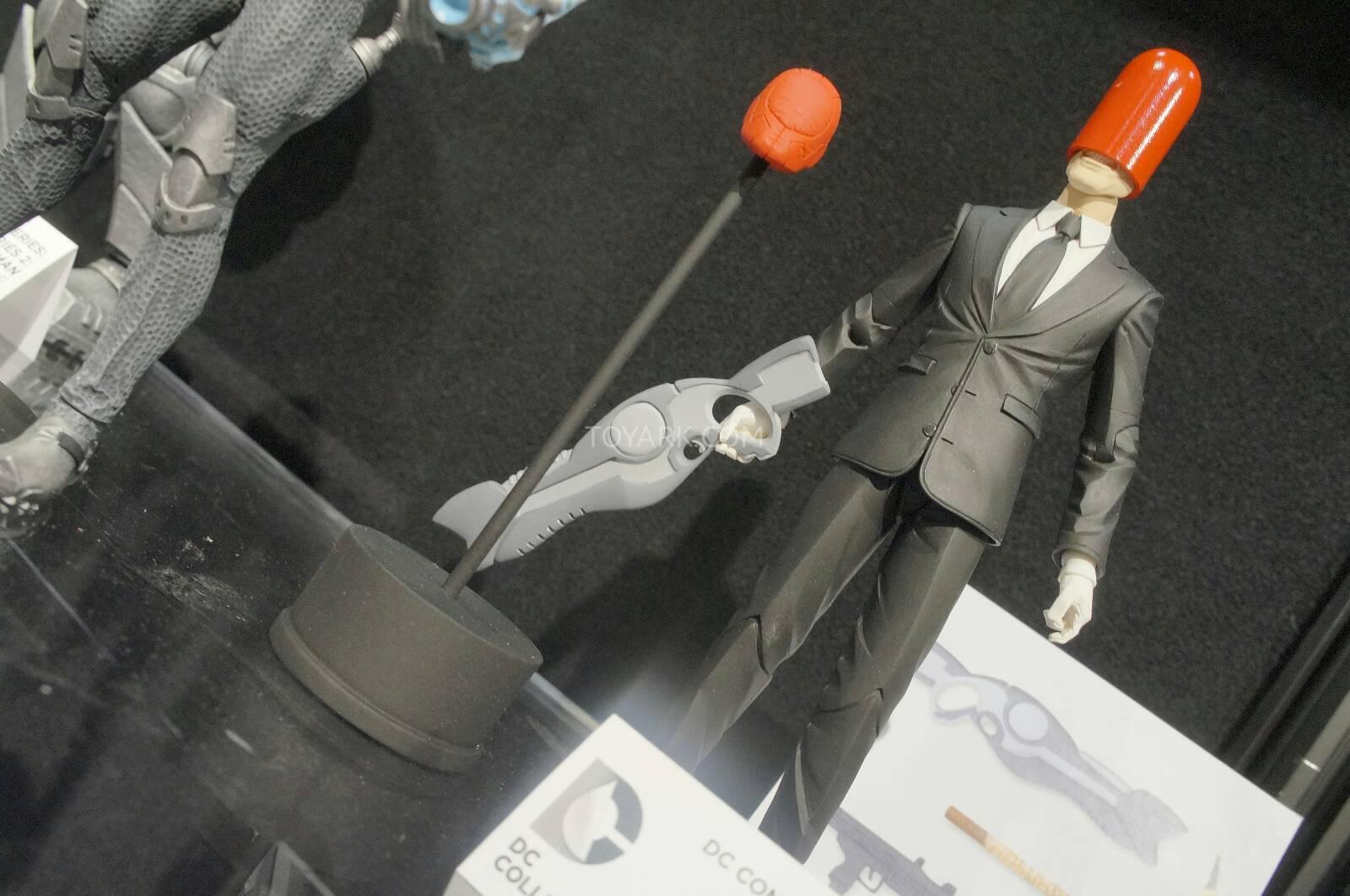 [Toy Fair 2014] DC Collectibles Toy-Fair-2014-DC-Collectibles-100