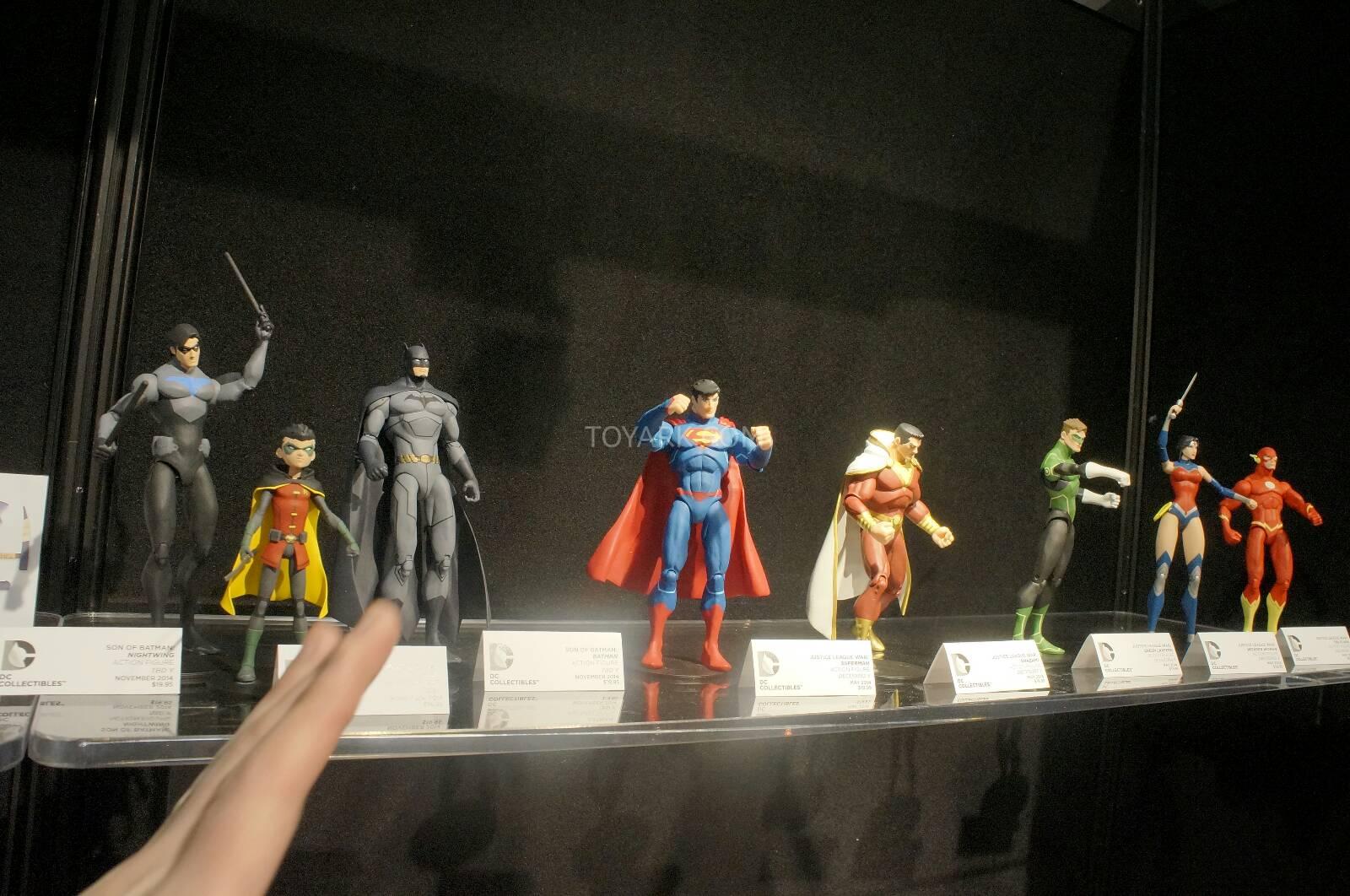 [Toy Fair 2014] DC Collectibles Toy-Fair-2014-DC-Collectibles-104