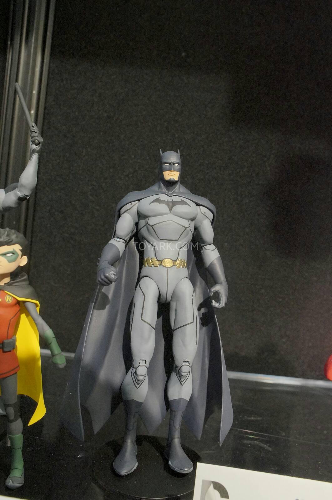 [Toy Fair 2014] DC Collectibles Toy-Fair-2014-DC-Collectibles-108