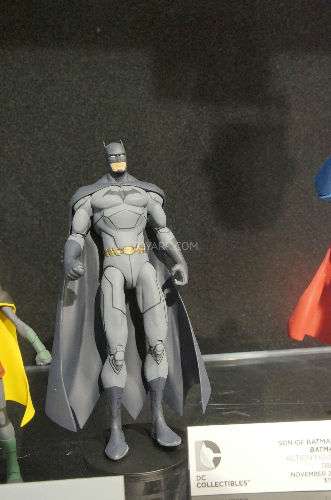 [Toy Fair 2014] DC Collectibles Toy-Fair-2014-DC-Collectibles-115