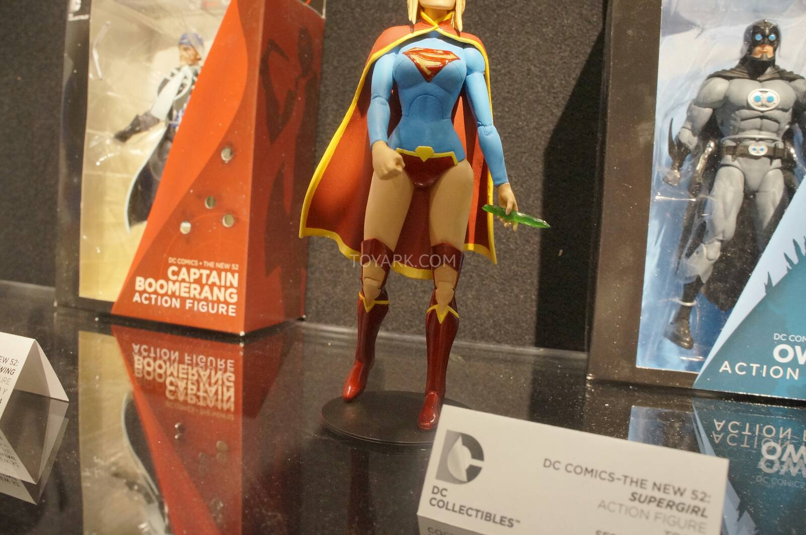 [Toy Fair 2014] DC Collectibles Toy-Fair-2014-DC-Collectibles-129