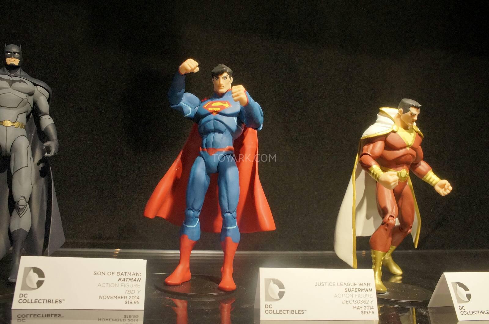 [Toy Fair 2014] DC Collectibles Toy-Fair-2014-DC-Collectibles-131