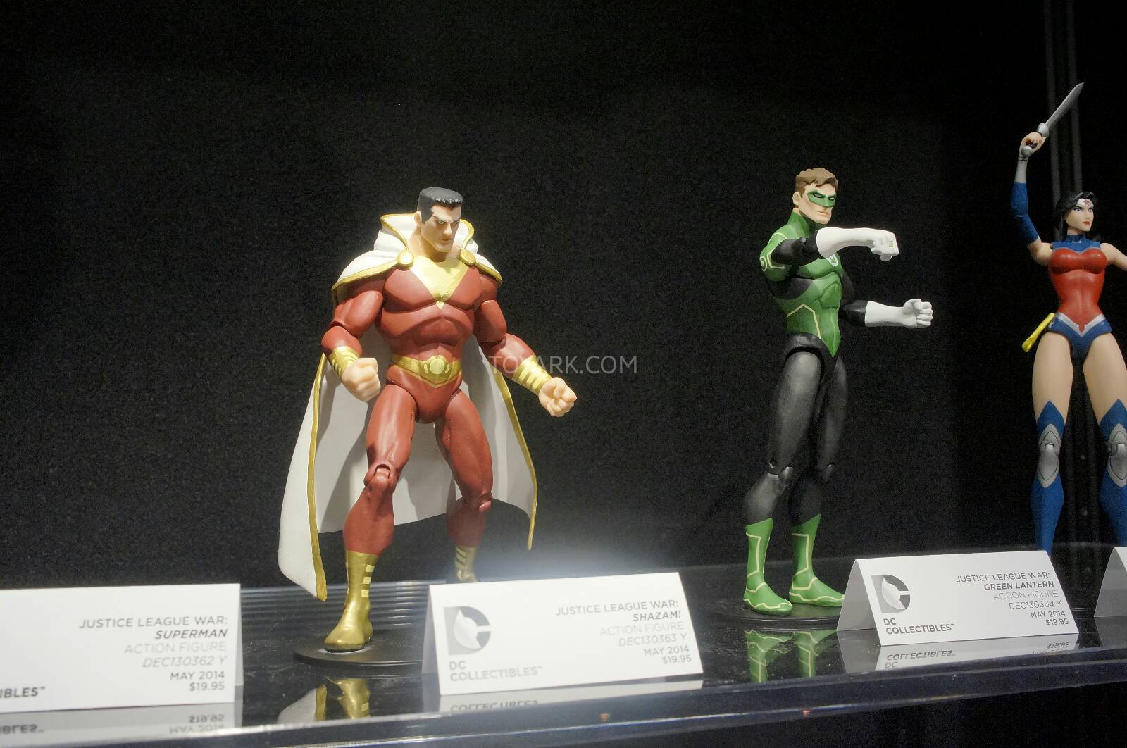 [Toy Fair 2014] DC Collectibles Toy-Fair-2014-DC-Collectibles-132