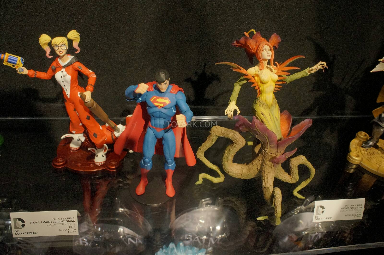 [Toy Fair 2014] DC Collectibles Toy-Fair-2014-DC-Collectibles-135