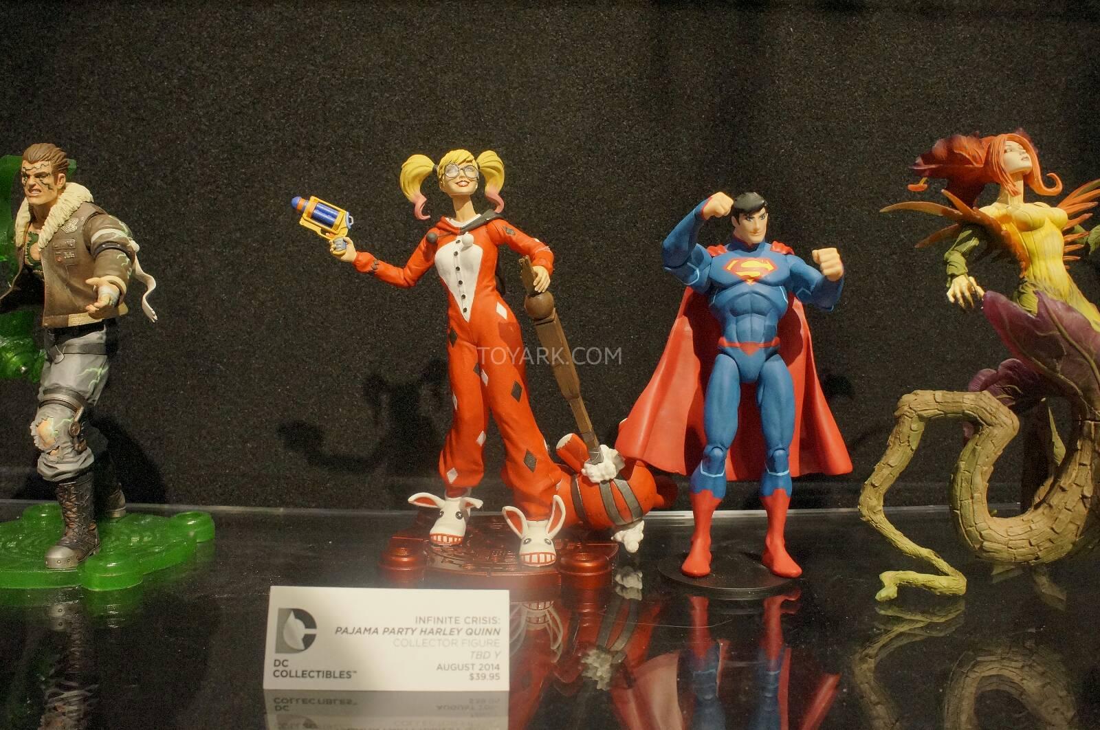 [Toy Fair 2014] DC Collectibles Toy-Fair-2014-DC-Collectibles-136