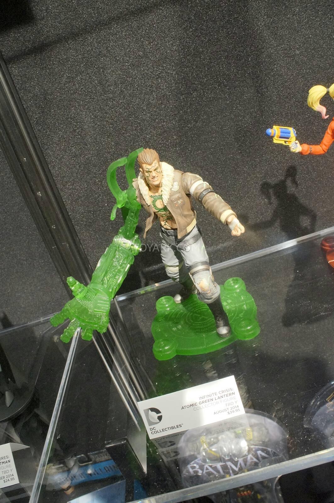 [Toy Fair 2014] DC Collectibles Toy-Fair-2014-DC-Collectibles-138