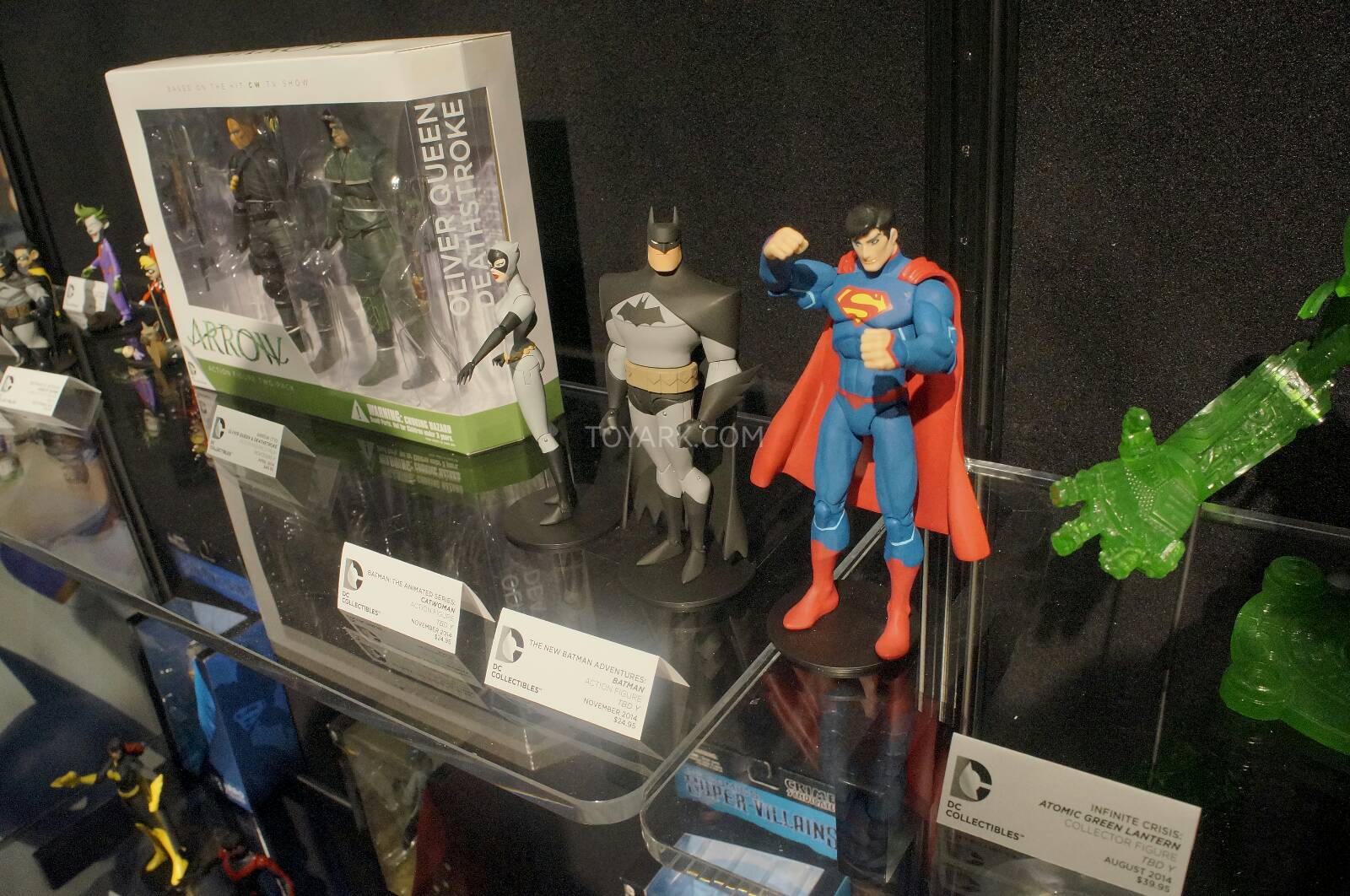 [Toy Fair 2014] DC Collectibles Toy-Fair-2014-DC-Collectibles-151
