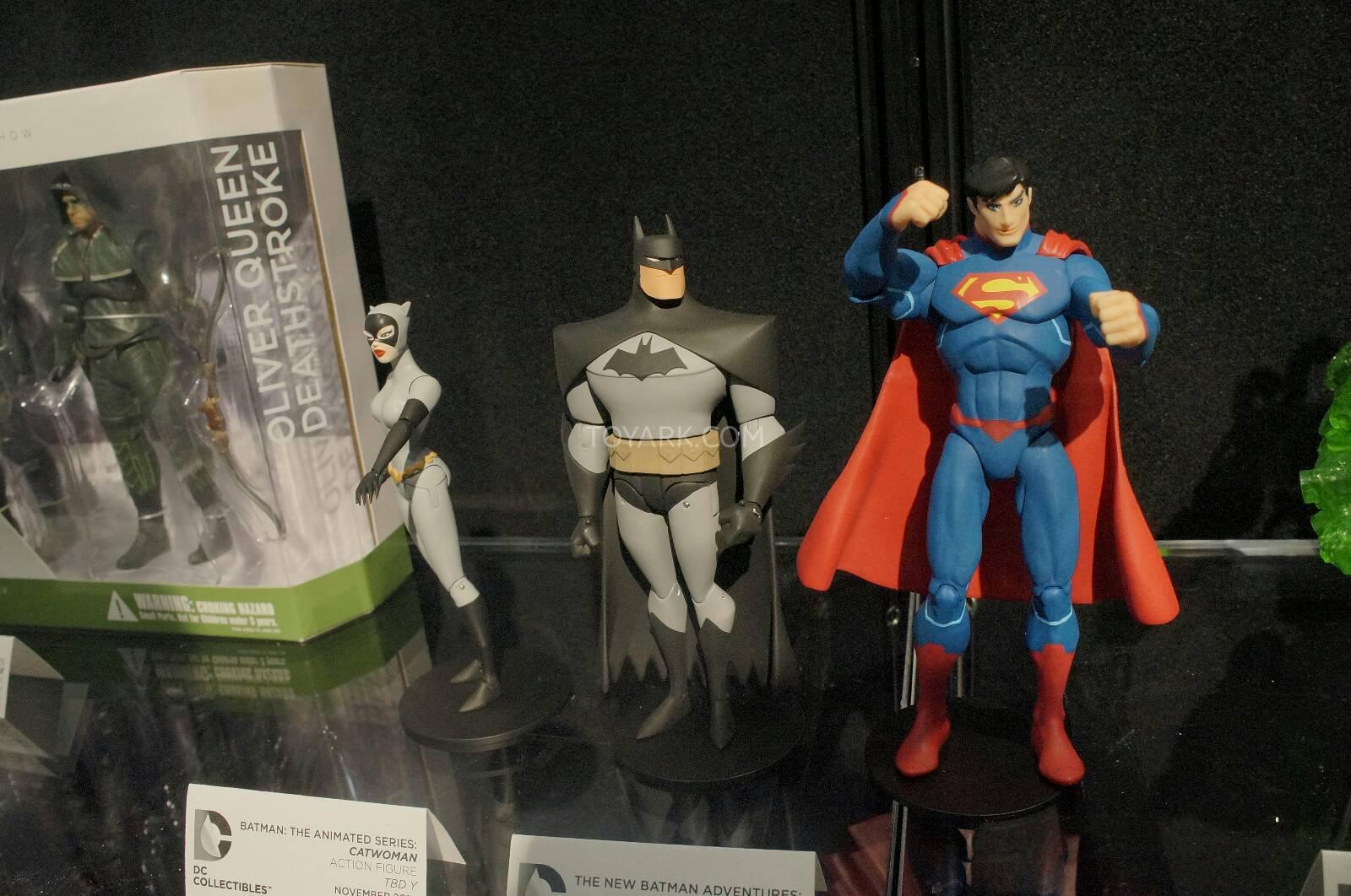 [Toy Fair 2014] DC Collectibles Toy-Fair-2014-DC-Collectibles-153