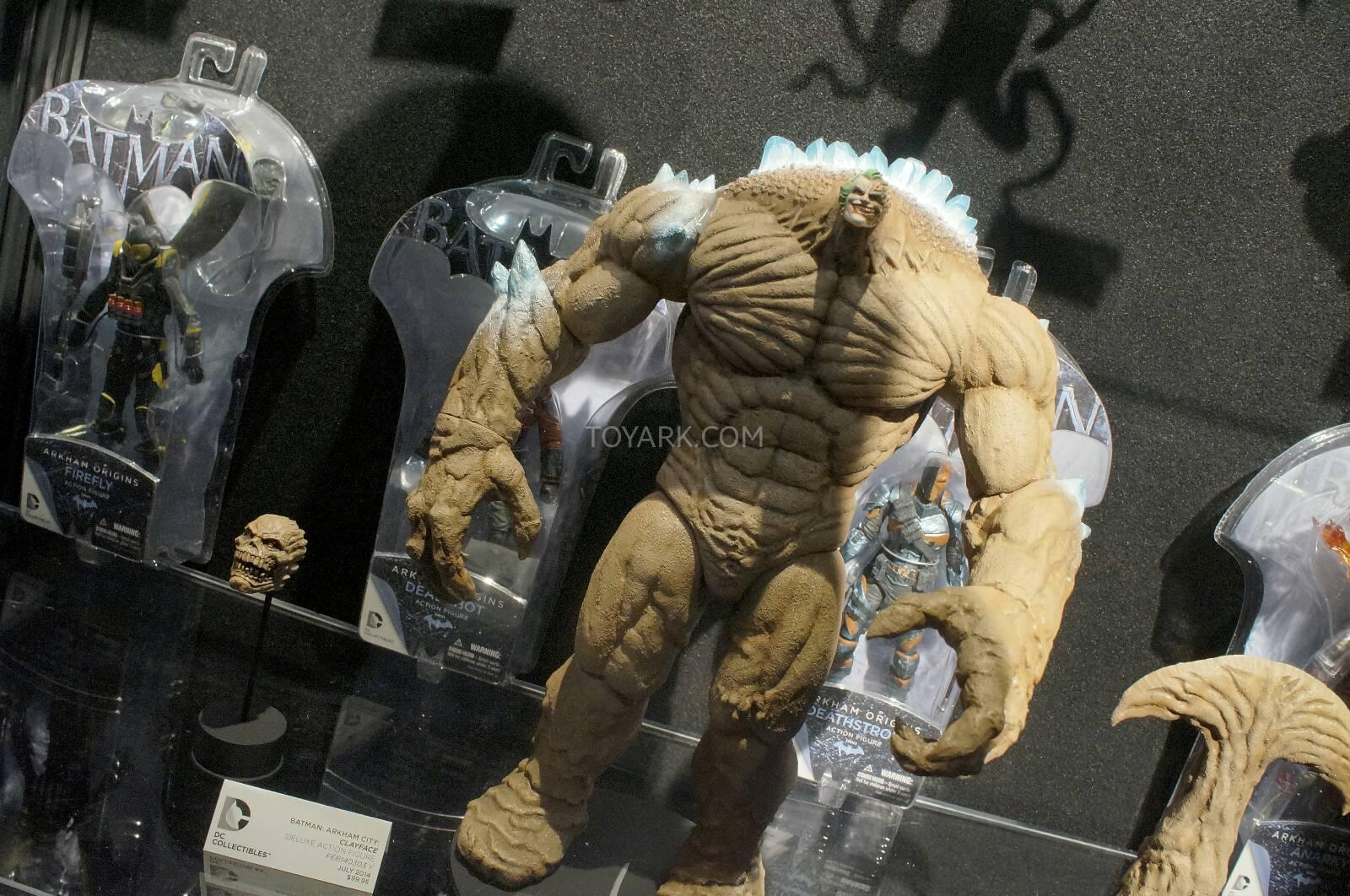 [Toy Fair 2014] DC Collectibles Toy-Fair-2014-DC-Collectibles-162