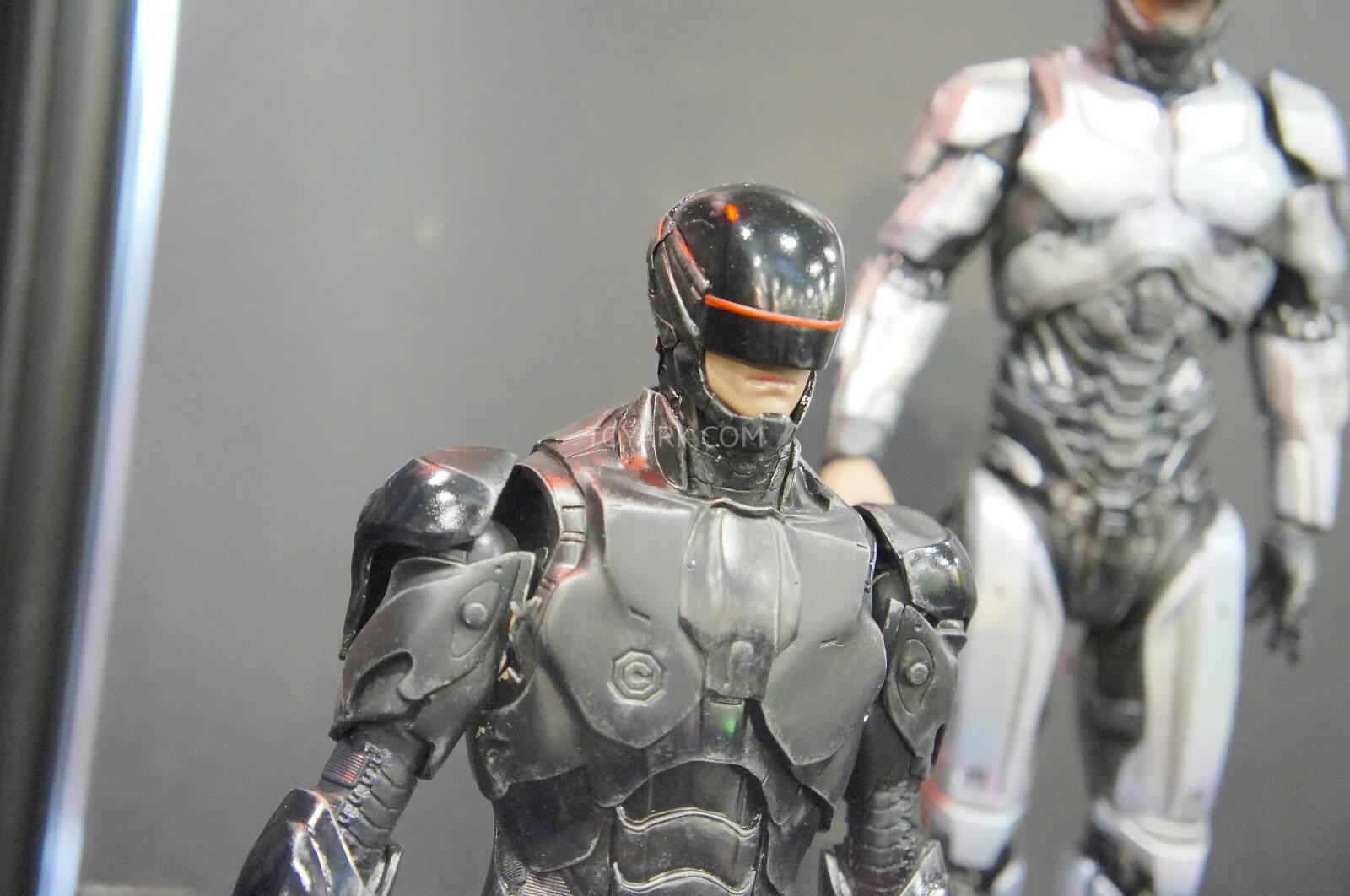 [ThreeZero] Robocop 2014 V3.0 - 1/6 Scale Toy-Fair-2014-ThreeZero-Robocop-005