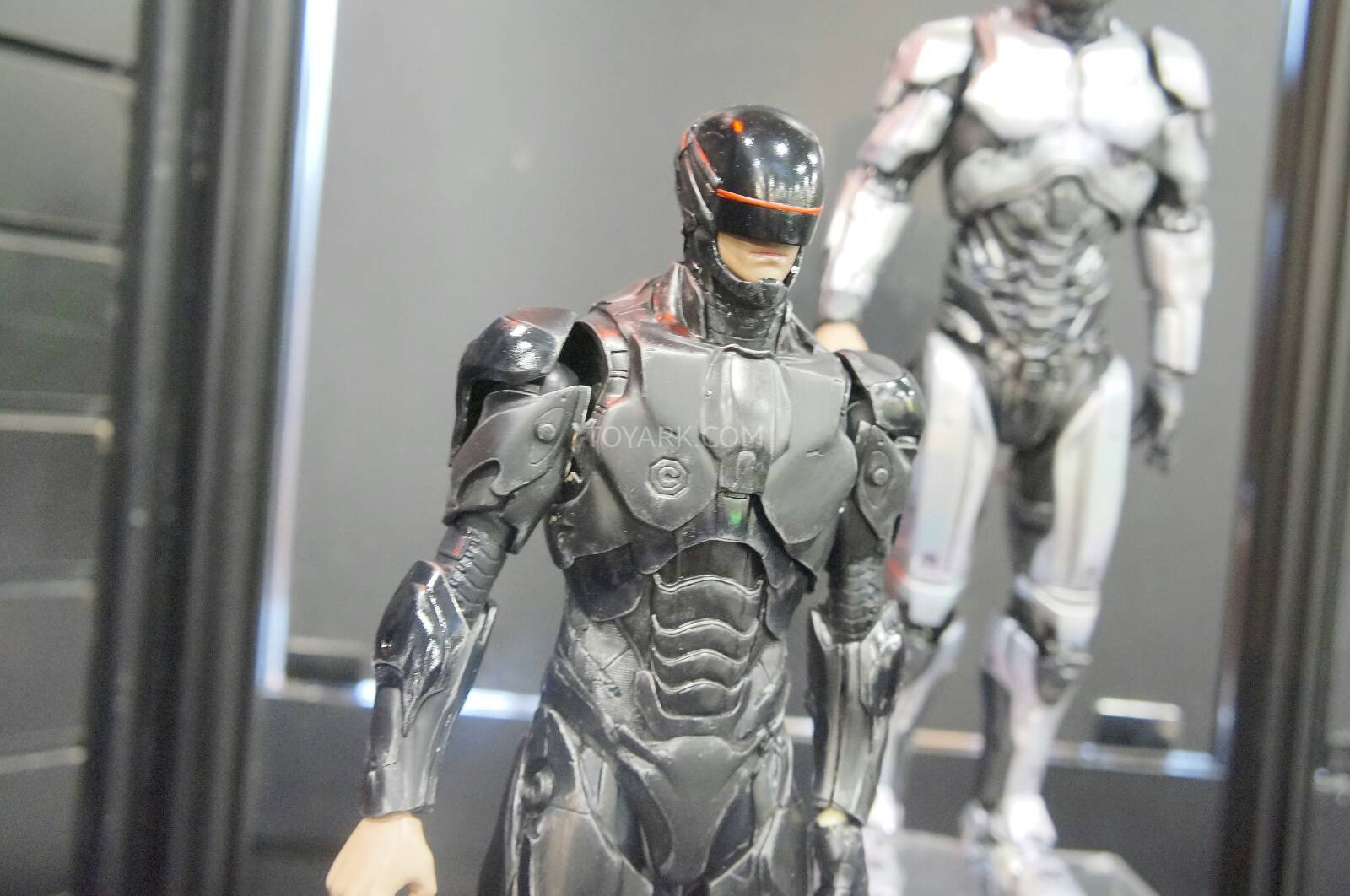 [ThreeZero] Robocop 2014 V3.0 - 1/6 Scale Toy-Fair-2014-ThreeZero-Robocop-006