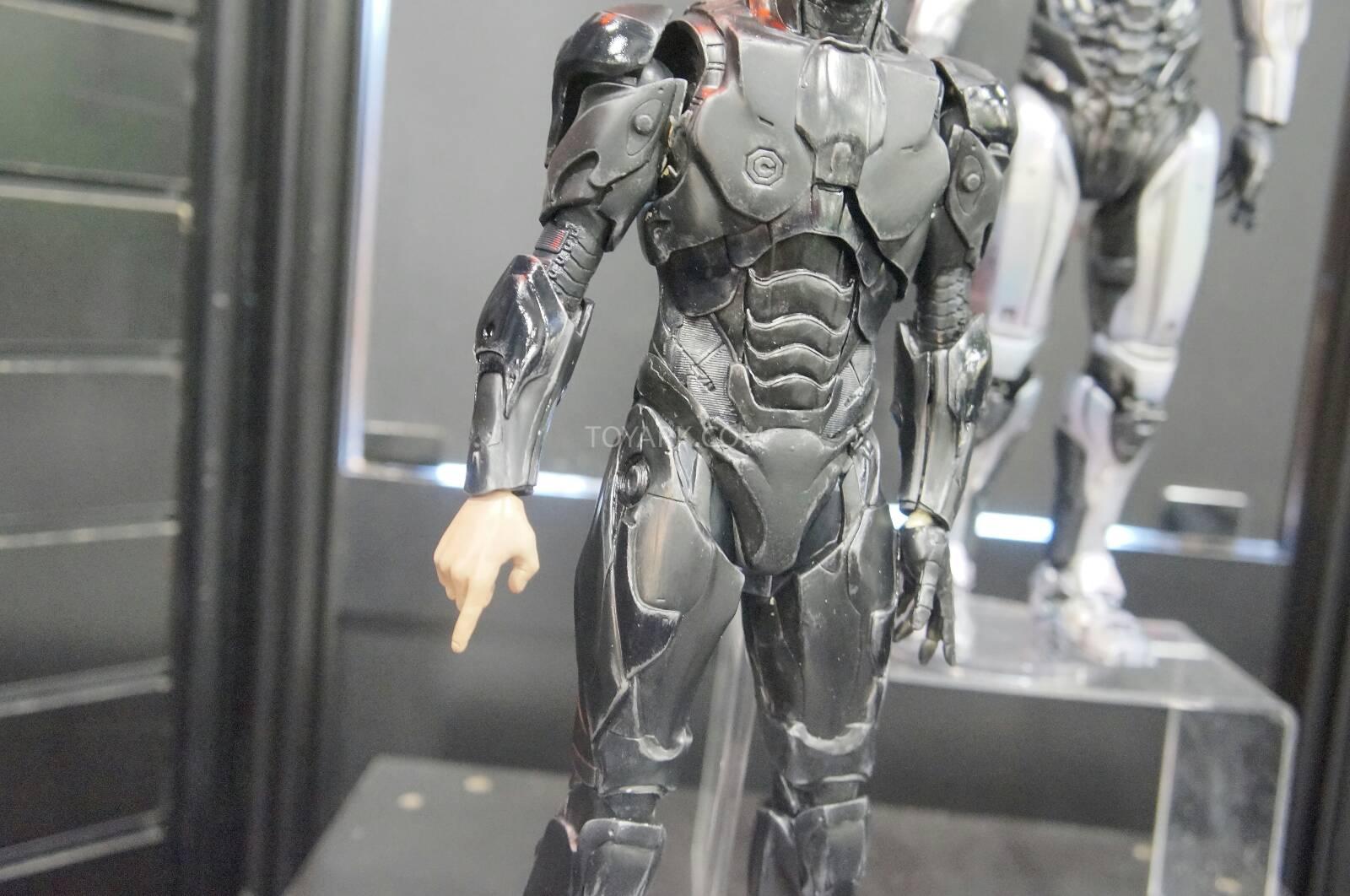 [ThreeZero] Robocop 2014 V3.0 - 1/6 Scale Toy-Fair-2014-ThreeZero-Robocop-007