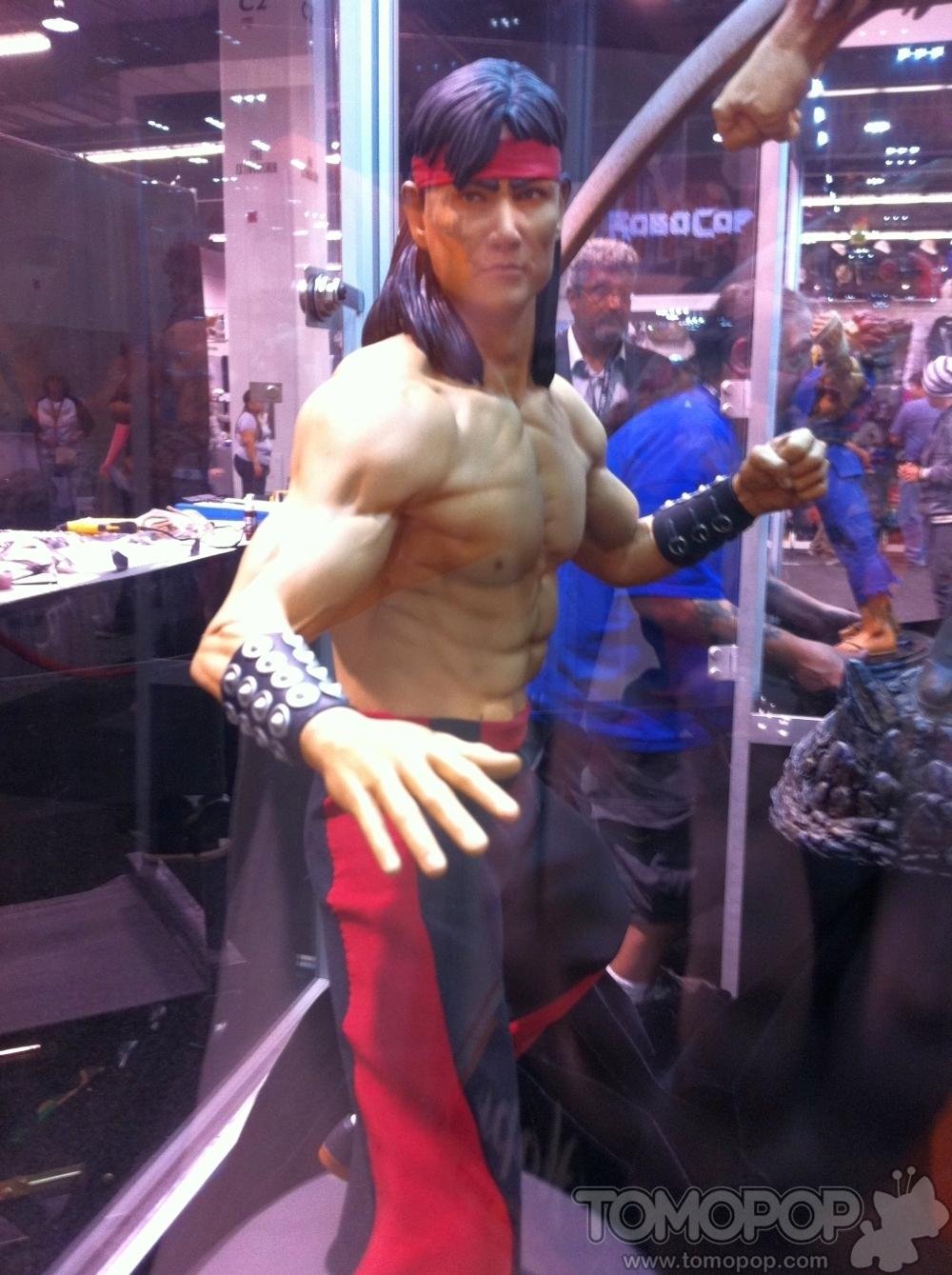 [Pop Culture Shock] Mortal Kombat: Liu Kang 1/4 scale - Página 2 PCS-Mortal-Kombat-Statues-004