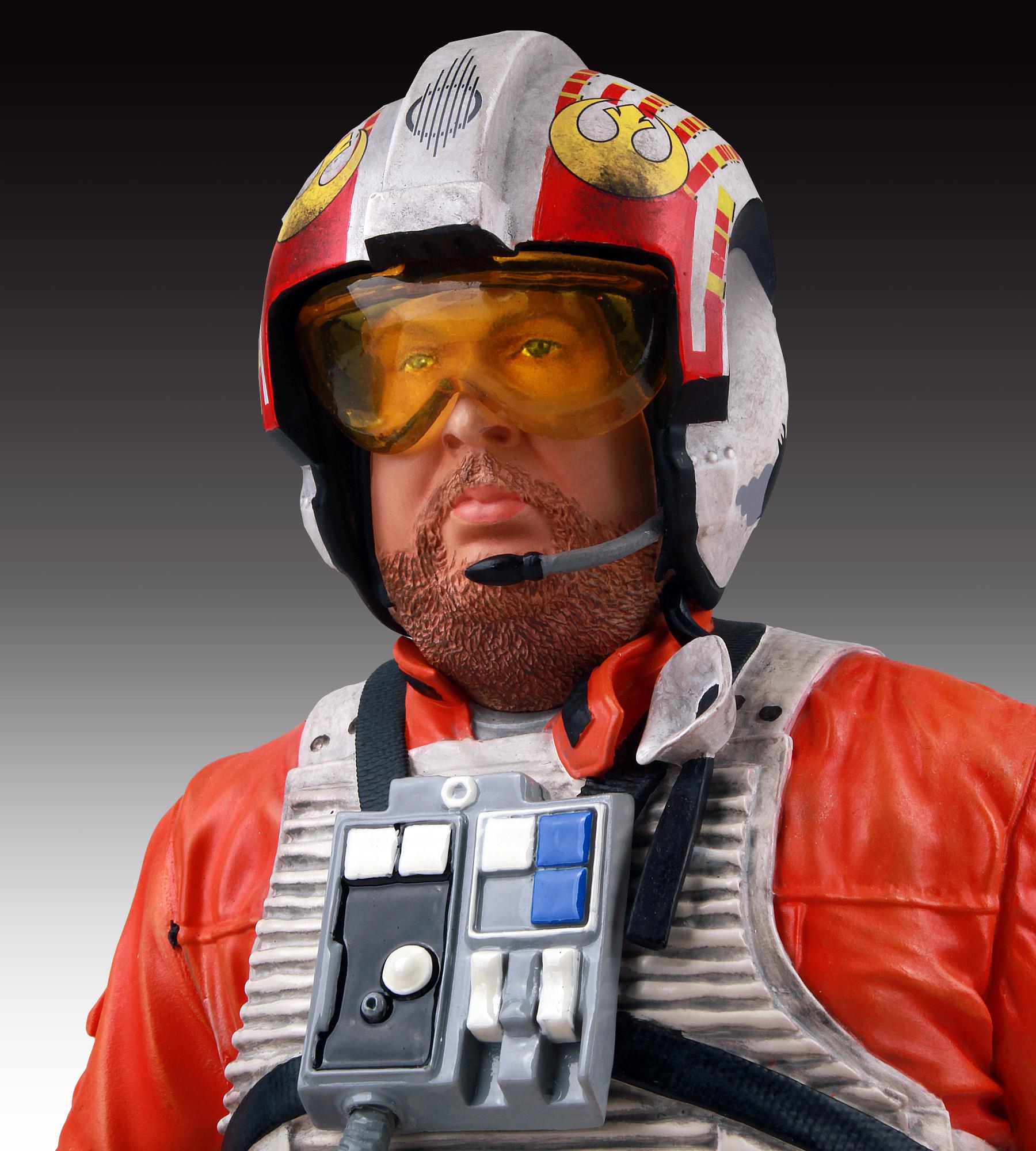 [Gentle Giant] SDCC Exclusive Star Wars Jek Porkins Mini Bust SDCC-Exclusive-Star-Wars-Jek-Porkins-Mini-Bust-006