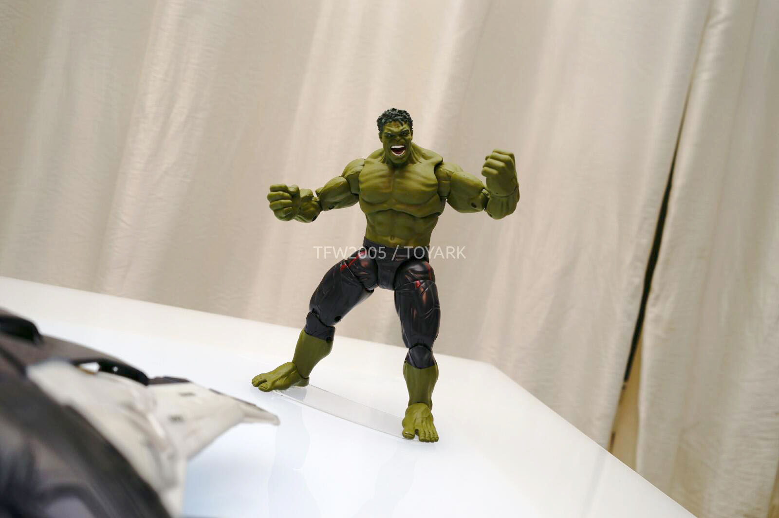 [Hasbro] NYCC | Marvel Legends | Avengers – Age of Ultron  DSC08142
